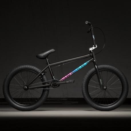 Kink Whip 20.5 2020 Gloss Black Fade BMX Bike