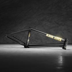 KINK Contender 21 black frame