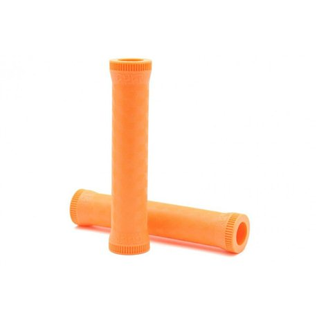 Cult Dak orange grips